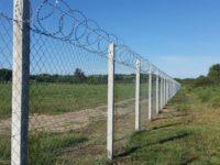 beton oszlop, kerítés oszlop, szőlő oszlop, szőlő karó, fém oszlop, tüskés huzal, feszítő huzal, kerítés  építés